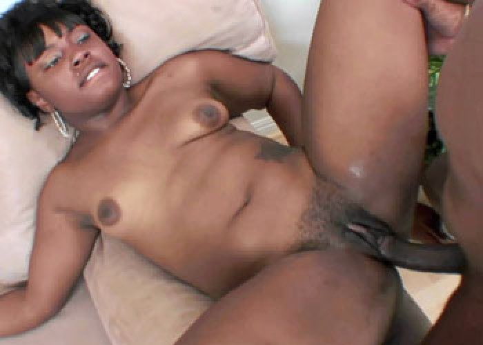 Lailonni gets her ebony twat fucked